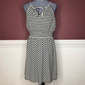 Elle b&w striped midi dress with tie size Medium